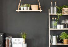 dicas para econimzar na sua decoração: Prateleiras de madeiras recicladas